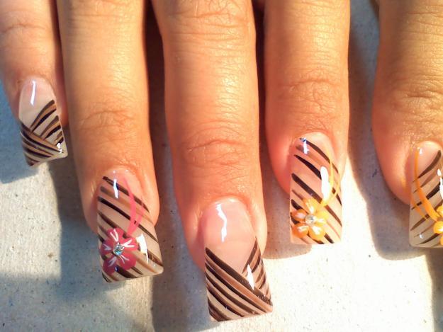 Decorados de uñas naturales sencillos y fáciles | Uñas
