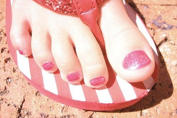 C mo mantener los pies siempre bonitos decoracion de u as - Como mantener los pies calentitos ...